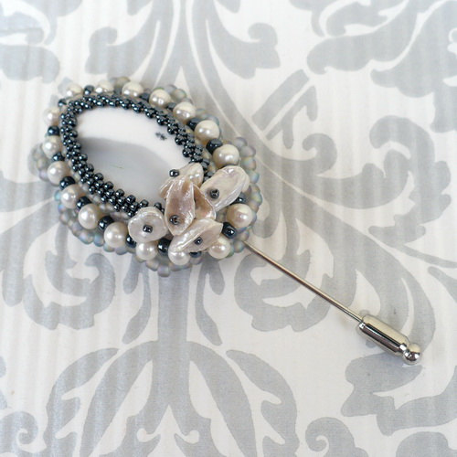 Beaded Brooch by Aillil